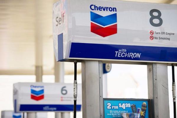 British Petroleum y Chevron vienen a B.C.