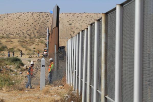 No habrá protección para dreamers si no hay muro: Trump.