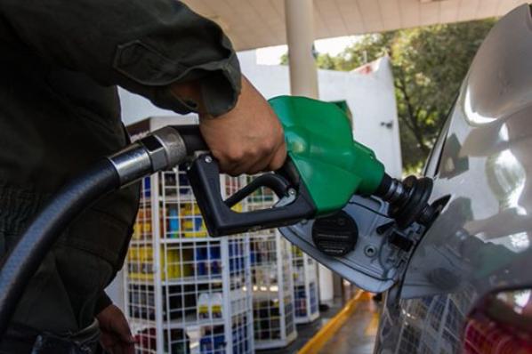 Alza en gasolina es de 4% a 5%, por IEPS