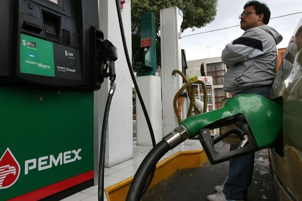 Gasolina se ha encarecido 77% en lo que va del sexenio.