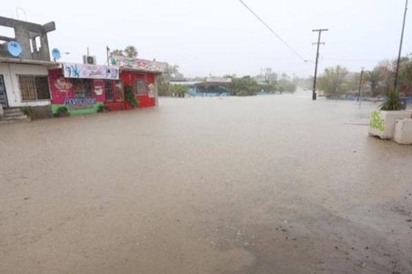 Prioridad evacuar a familias en San Felipe: Alcalde.