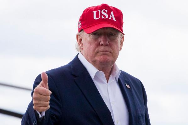 Trump presentará hoy notificación legal para imponer aranceles a partir del lunes.