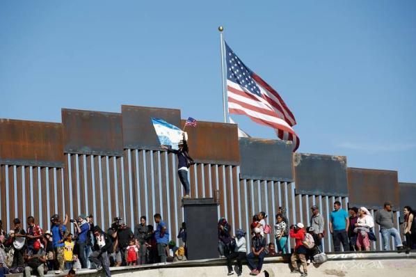 México, el verdadero muro, dice De Hoyos.