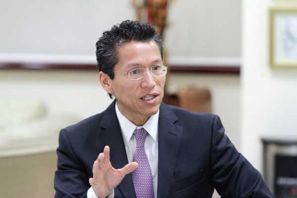 "Amaga SAT con cárcel a empresarios ""rebeldes"""
